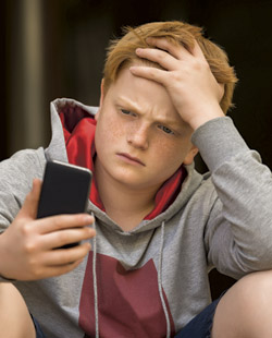 Social Media Amplify Feelings of FoMO